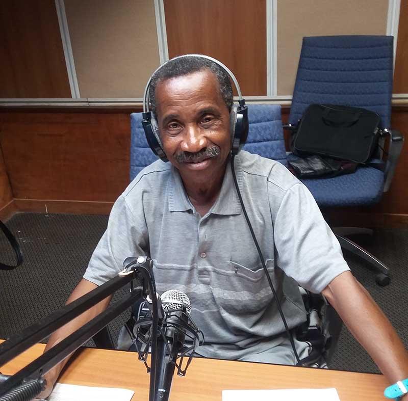 Musicales Habana, es un programa que se origina en los estudios de Radio Cadena Habana